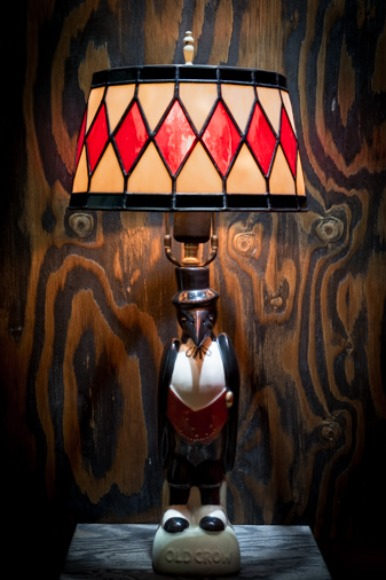 1940'S OLD CROW TABLE LAMP